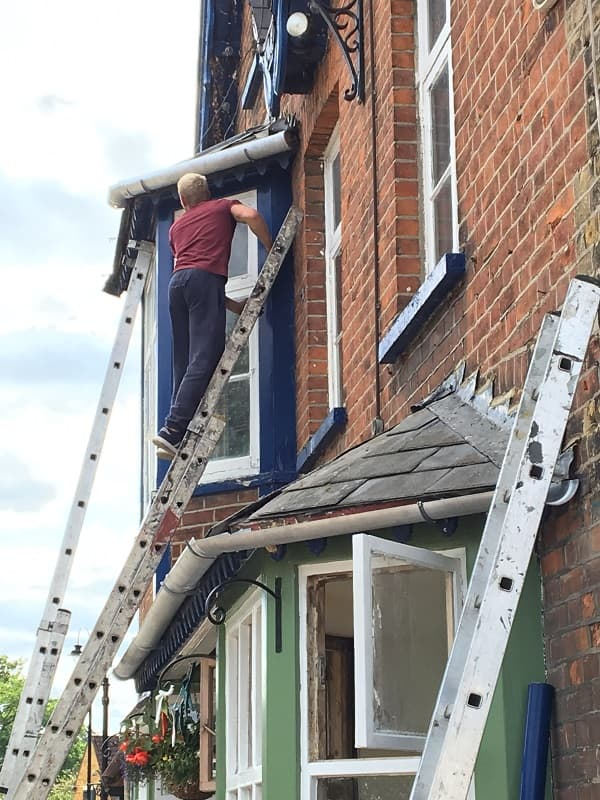 Using aluminium guttering and down pipes